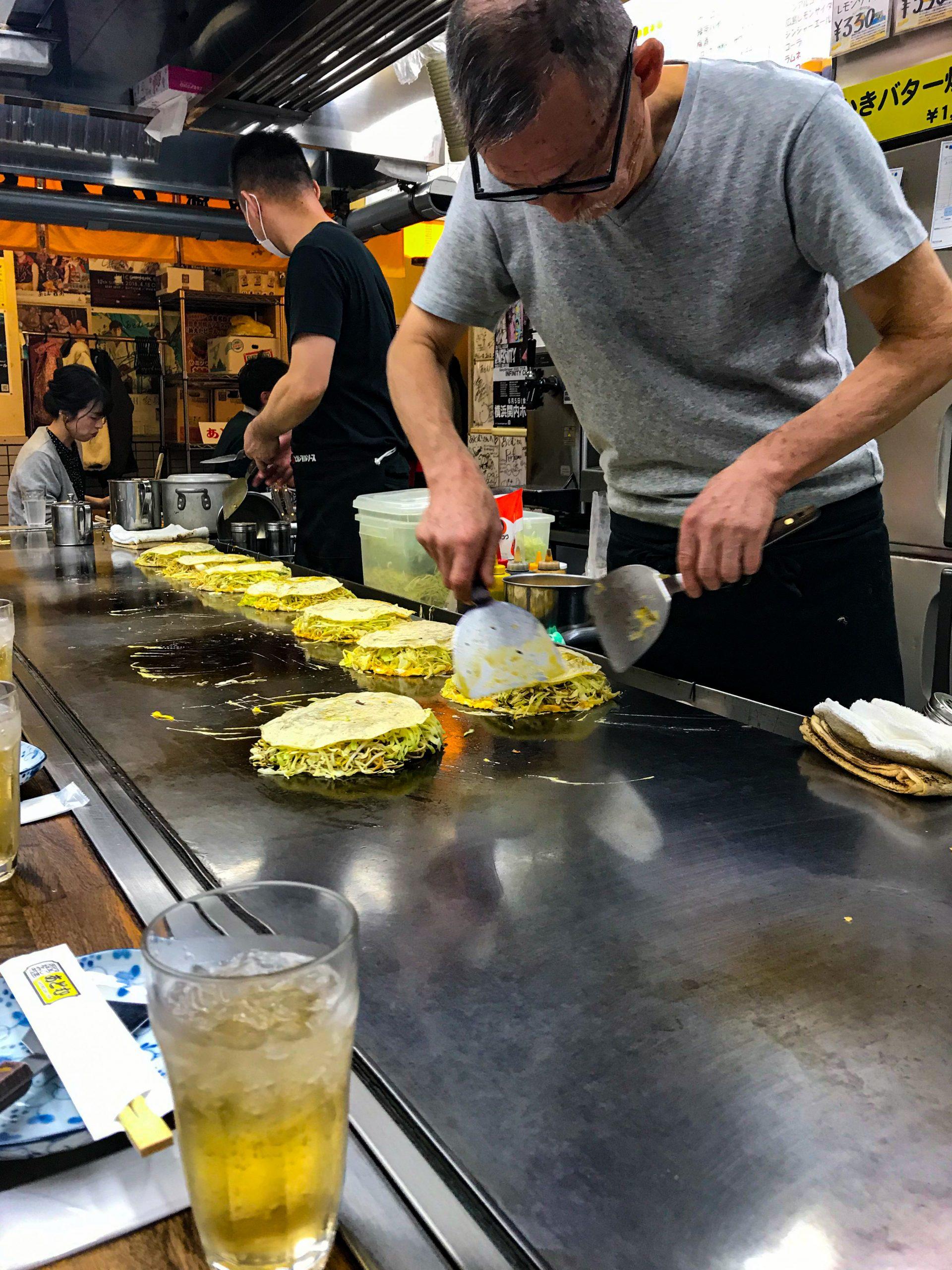Малко семейно ресторантче за окономияки в Хирошима